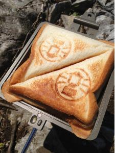 山頂でのパン
