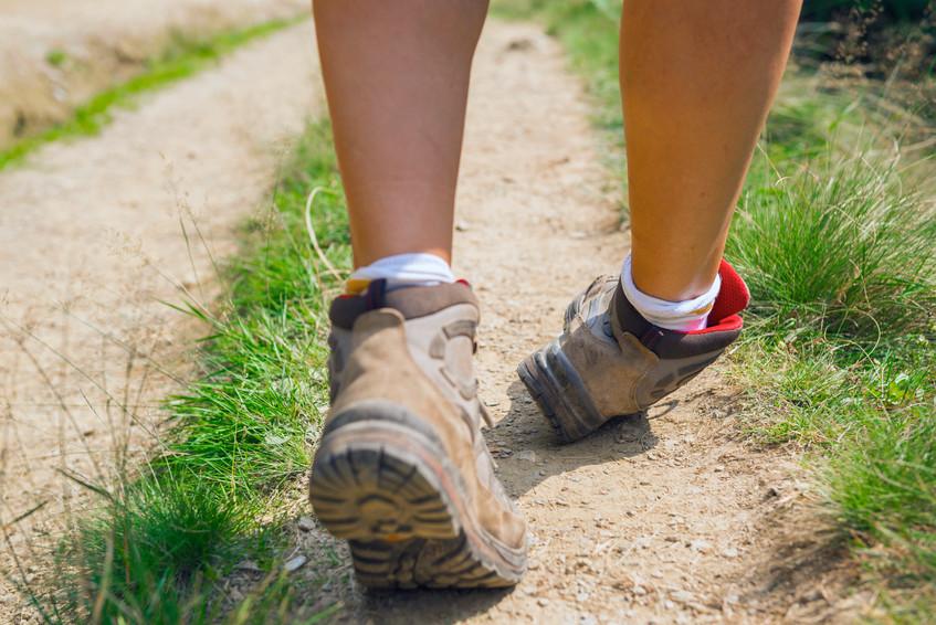 登山途中で足首を傷めた(ねんざ・骨折)時の対処法