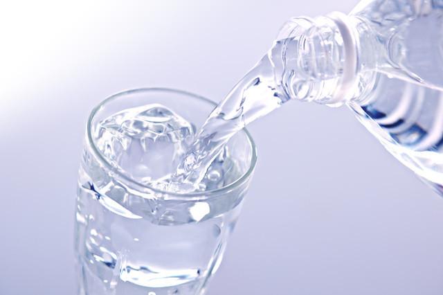 登山で水分はどれくらい持っていけばいい?必要な水分量を考える